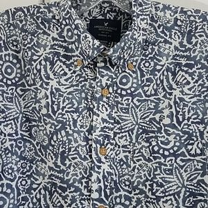 Mens M American Eagle Button Short Sleeve shirt